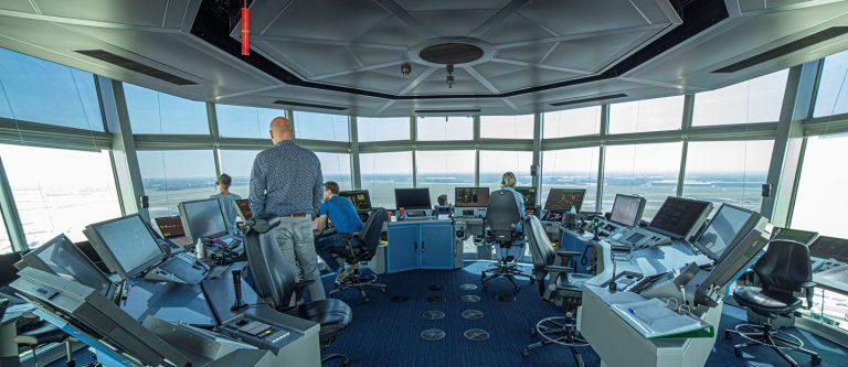 Coördinatie torenluchtverkeersleider en torenassistent